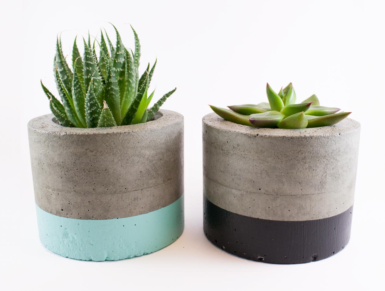 Two paint dipped concrete planter pots mint and black felt for Painting concrete pots