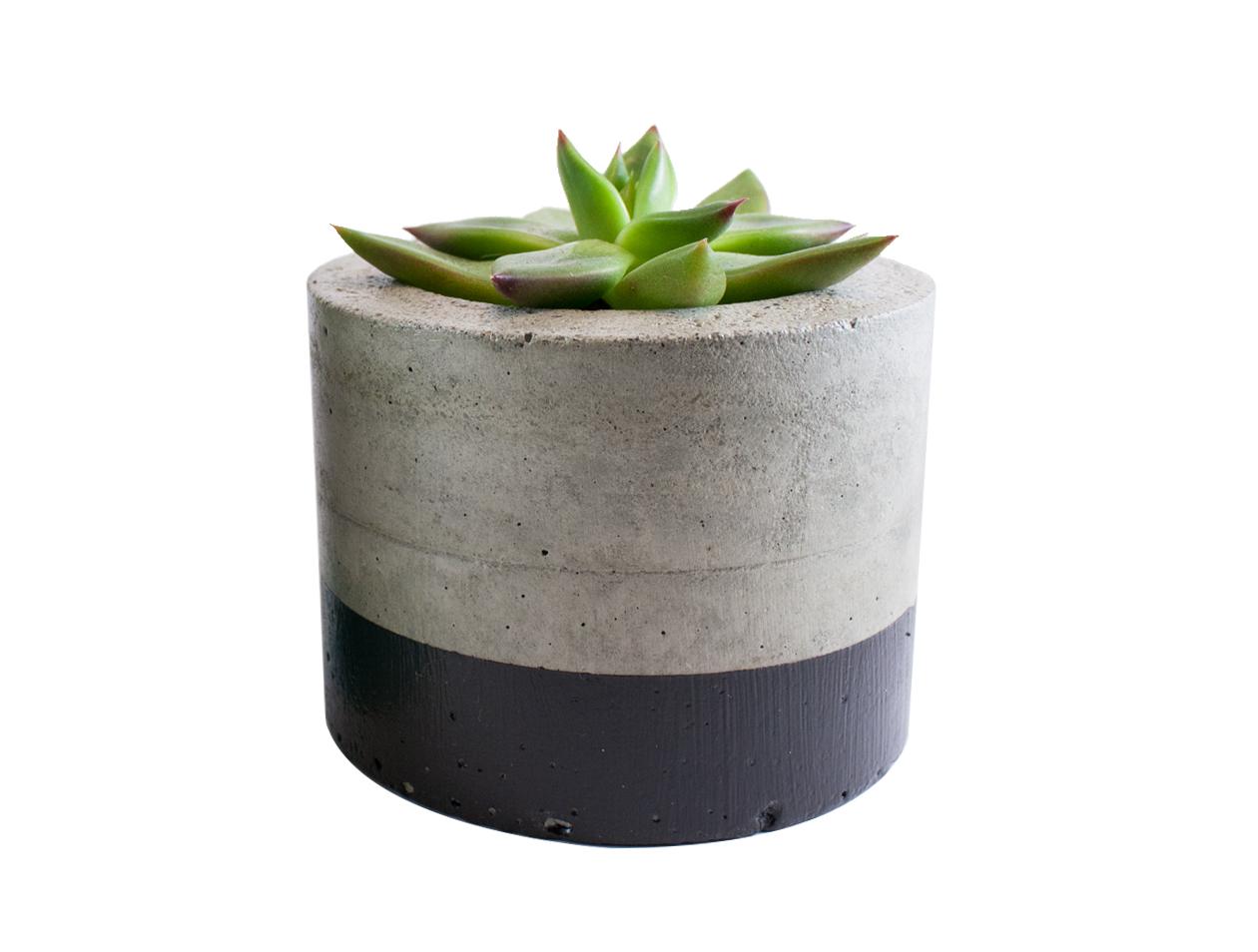 Paint dipped concrete planter pot black felt for Painting concrete pots
