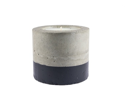Black concrete candle - French pear