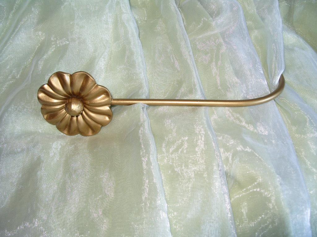 23cm Handmade wrought iron curtain tie backs   Felt