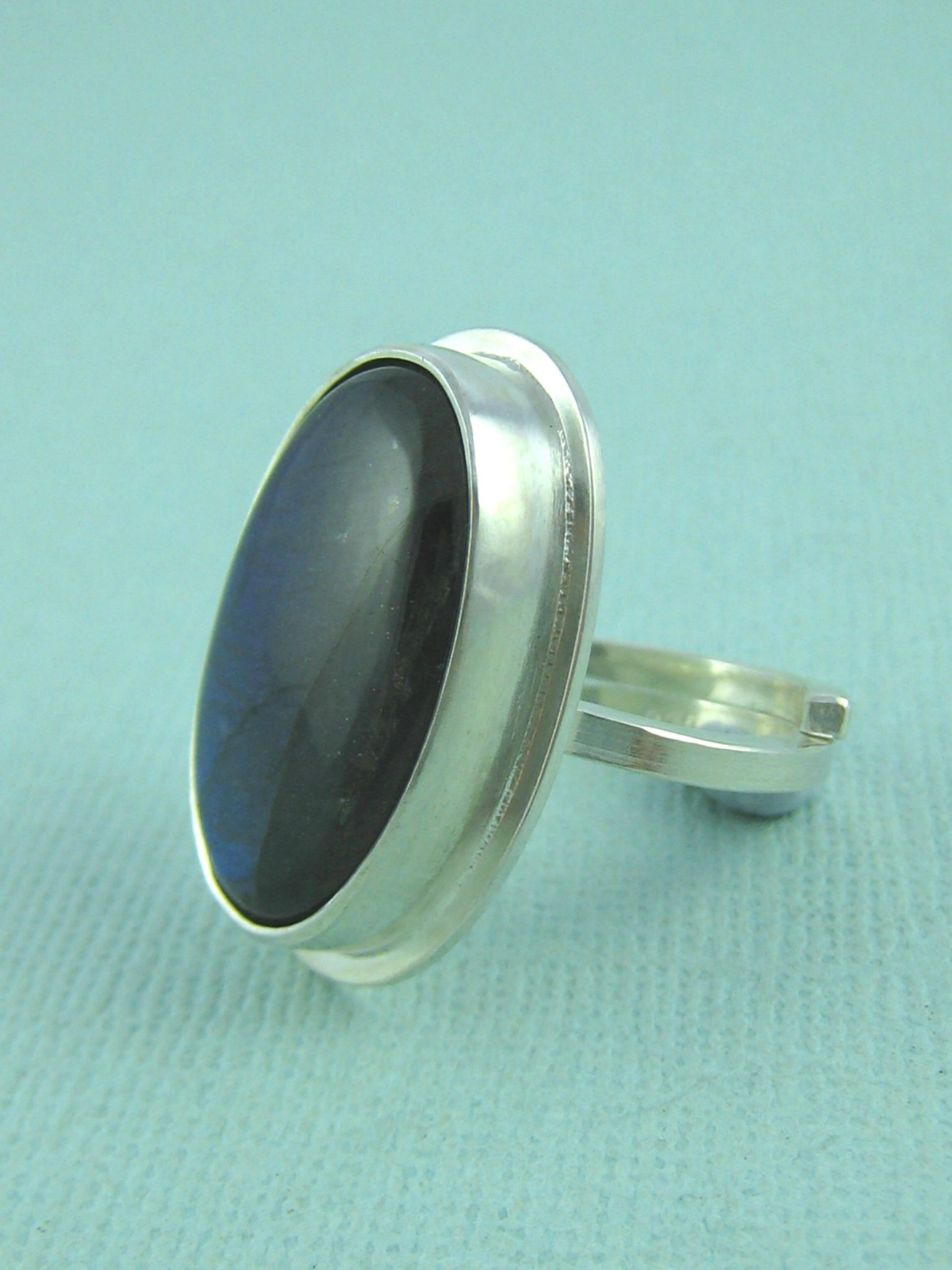 sterling silver labradorite ring felt