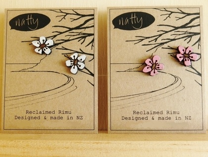 Manuka flower reclaimed Rimu earrings
