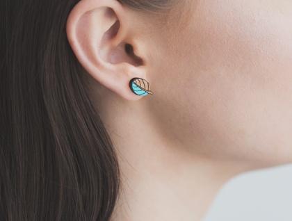 Taupata Leaf reclaimed Rimu earrings
