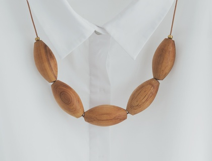 Oval Heart Rimu Bead Necklace