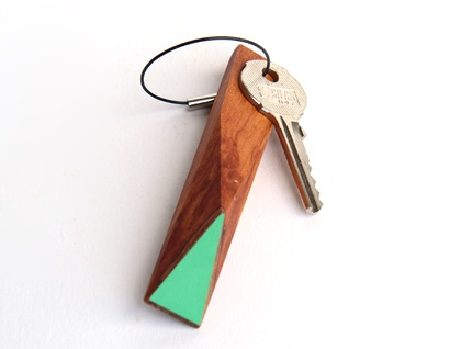 Faceted rimu keyring