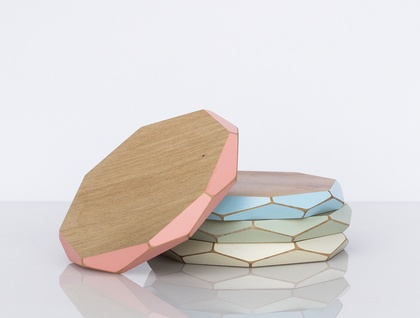Faceted wooden coasters x4