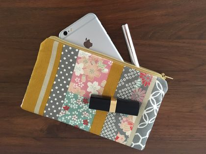Japanese traditional kimono print medium size pencil case / make-up pouch / toiletry pouch / clutch