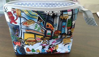 Mini toiletries bag - Cute Japanese kawaii print