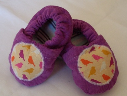 Gorgeous girls baby shoes - 3-6 mths
