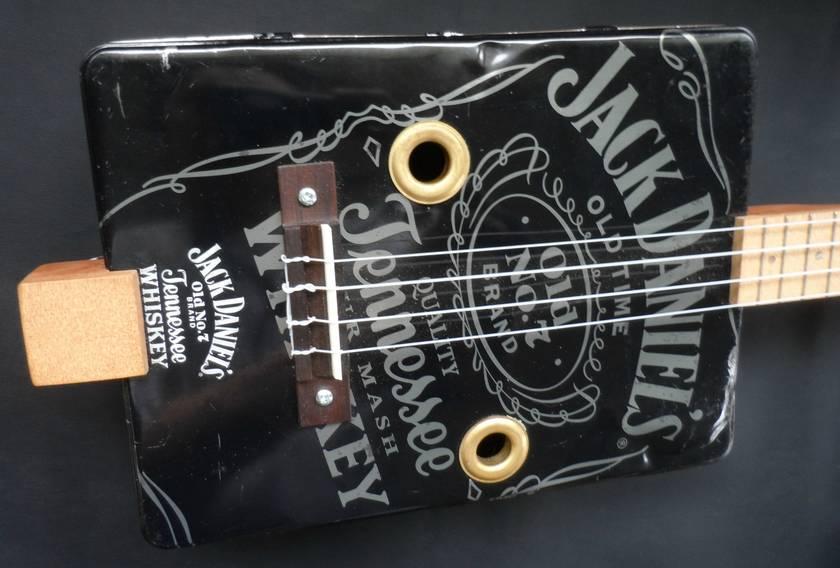Liquor Gift Tin Ukulele