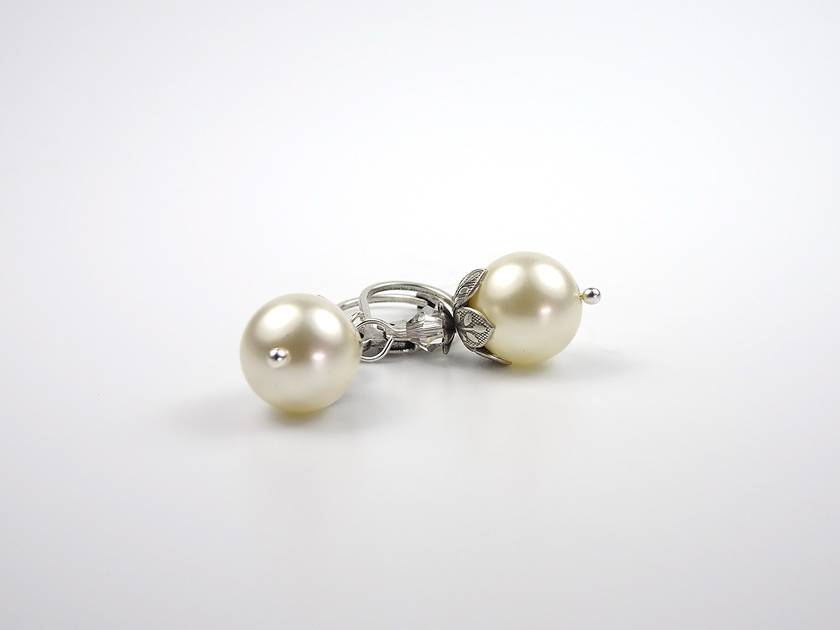 Modern Vintage Cream Pearl Earrings