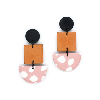 Boston Dangles - Blush/White