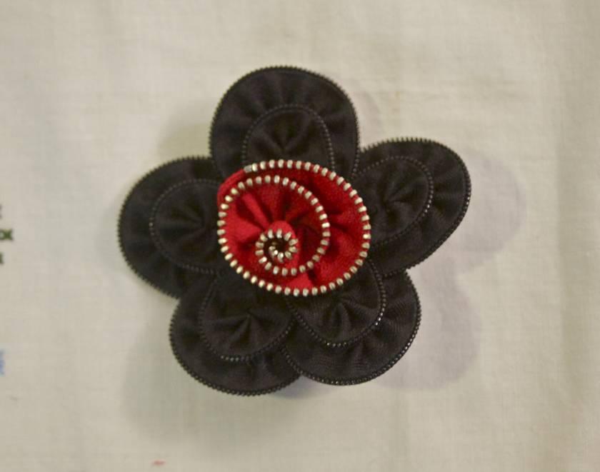 Black & Red wonder flower brooch