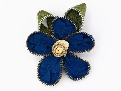Cornflower Blue Vintage Flower Brooch