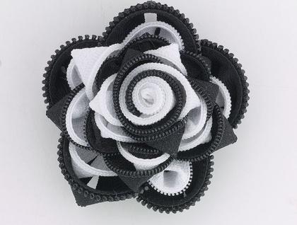 ZippityDooDah Black/white Rose