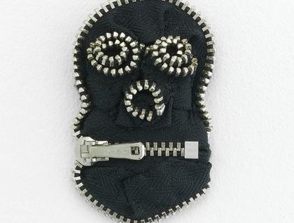 Skull Zippitydoodah Brooch