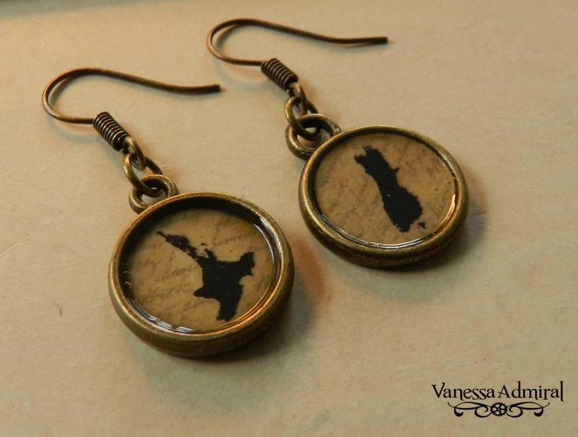 Vintage ~Kiwiana~ NZ Pendant Earrings