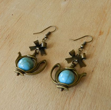~Wonderland~ Inspired Teapot Earrings