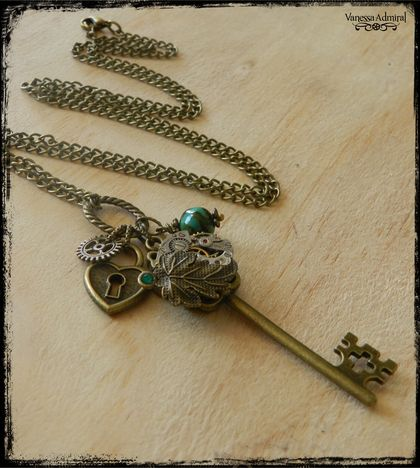 Stunning Steampunk Key Charm Necklace
