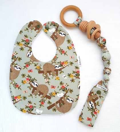 Snap-on Organic Wooden Teething Ring & Bib SET