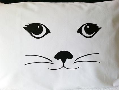 Handprinted 300 Thread Count Pillowcase - Cat face (female)