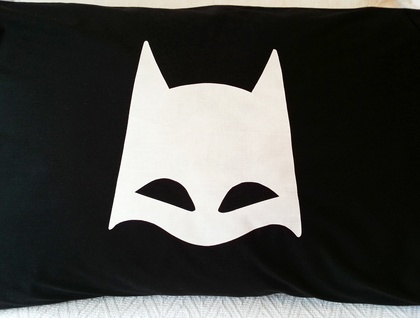 "Handprinted Pillowcase - ""The Bat"" White on Black!"
