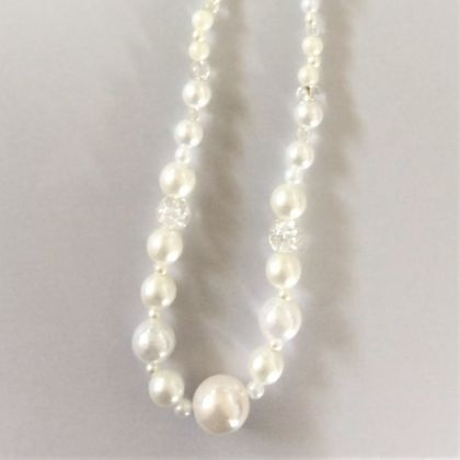 Necklace: Pearly white ice (Yuletide range)