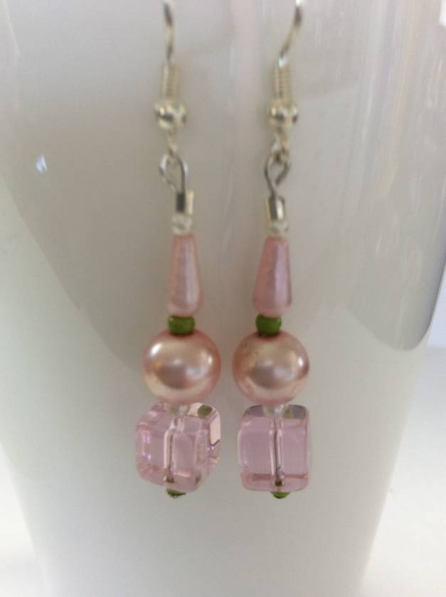Earrings: Blushing spring