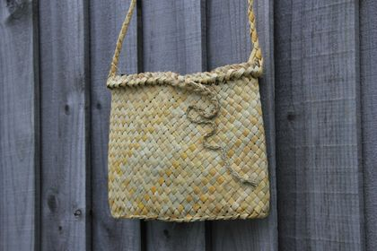 Squiggle kete