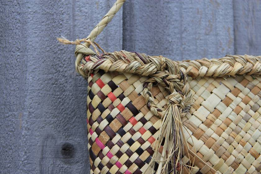 purple oblique kete