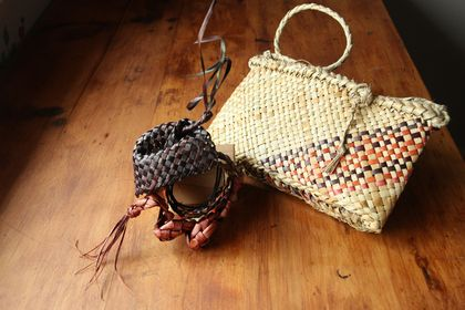 kete and fascinator set