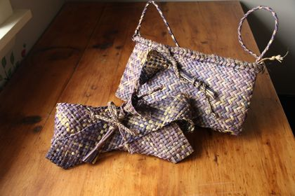 purple kete and bow fascinator