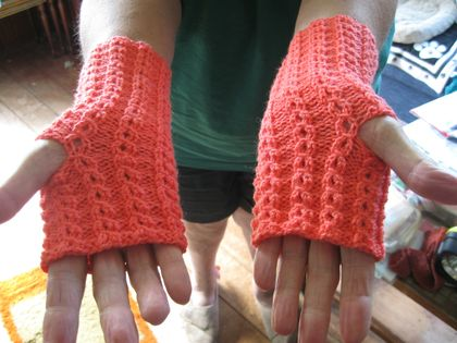 fingerless gloves- mock cable pattern
