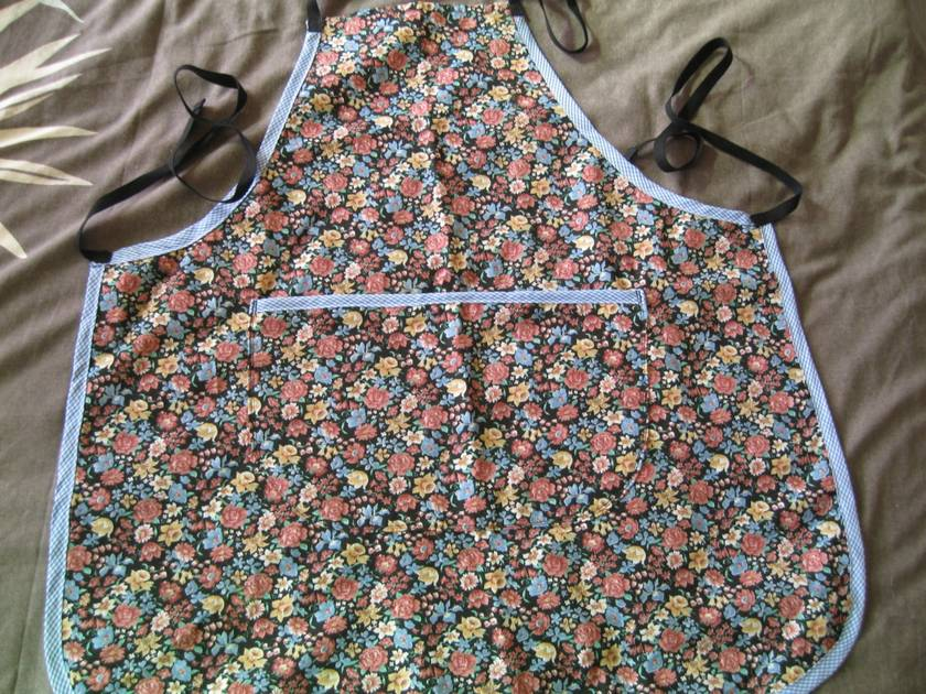 Apron-full size, multi purpose.