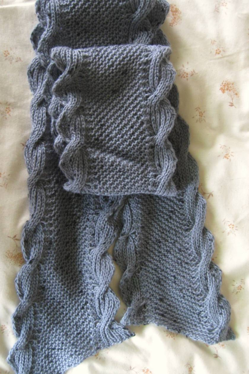 Unisex cable scarf