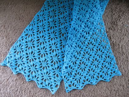 Crocheted cotton scarf