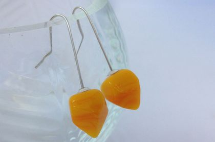 Faceted Earrings in silver and yellow glass