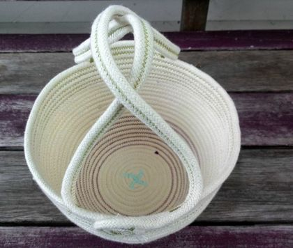Coiled cotton rope Country Basket with handles
