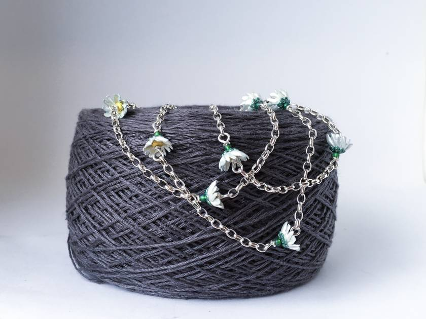 Daisy chain necklace/bracelet/crown, individually enamelled sterling silver flower necklace with glass beads