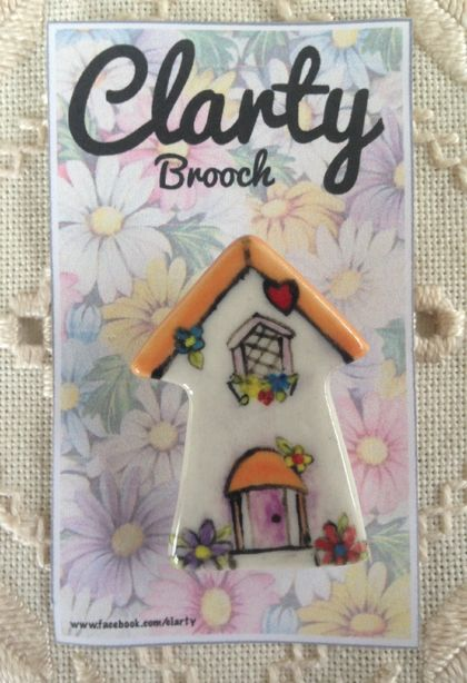 Cute cottage brooch