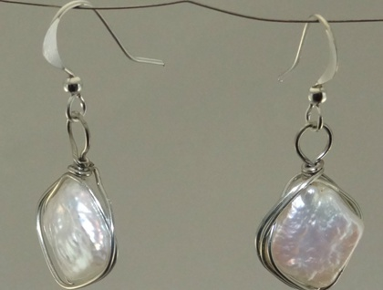 Freshwater pearl wire-wrapped earrings
