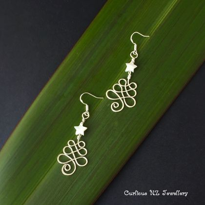 Sterling Silver wire Christmas Tree earrings with mother of pearl star