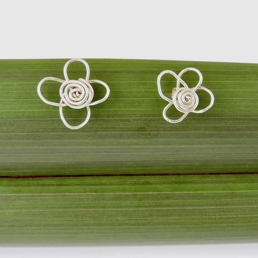 Manuka Flower Stud Earrings in Eco Sterling Silver Wire