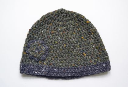 Turf and graphite crocheted hat with flower detail