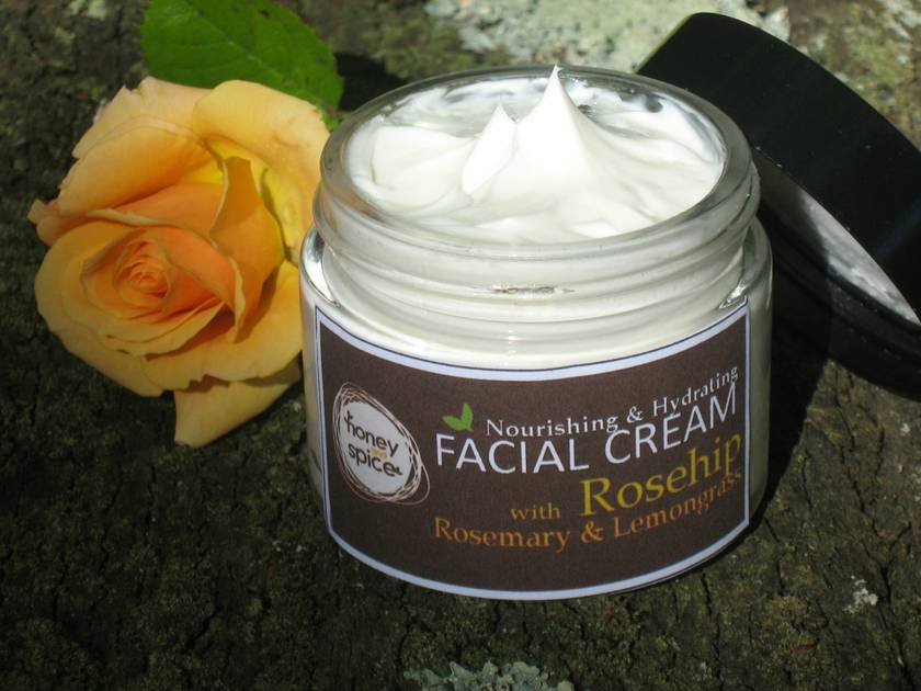 Nourishing & Hydrating FACIAL CREAM with Rosehip, Rosemary and Lemongrass.