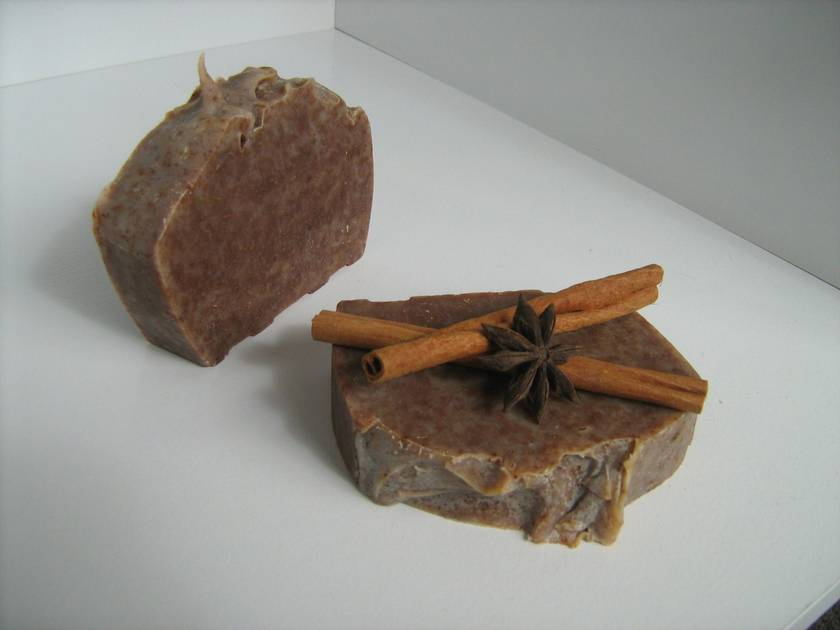 Delicious Almond and Cinnamon Soap
