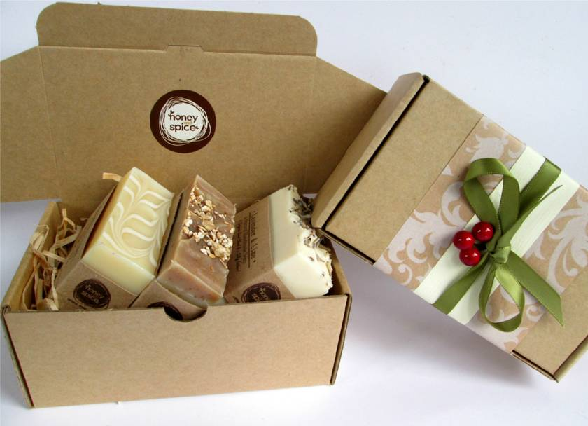 Soap Gift Box!-deluxe size-   Perfect Gift for the hard to buy for !