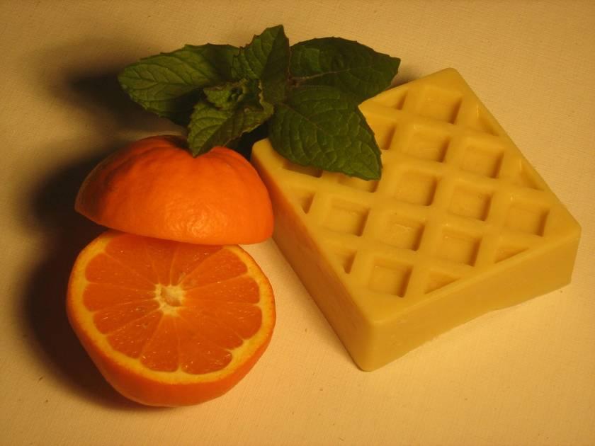 Sweet Orange and Mint Massage Bar