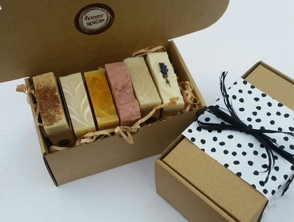 Soap Gift Box 6x small bar Selection  - Perfect Gift for the hard to buy for !
