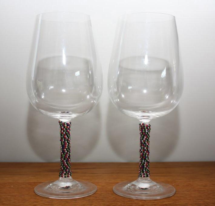 Set Of 2 Beaded Red Wine Glasses Multi Coloured Felt